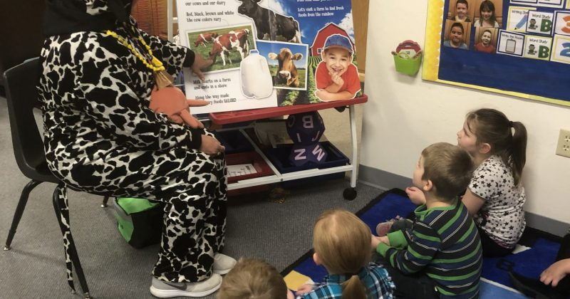 Dairy Ambassadors Bring a Little Bit of the Farm to the Kids.